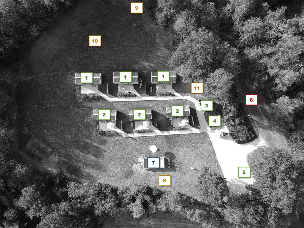 Le village de vacances Les Châtaigniers est situé à Lagleygeolles, en Corrèze, et dispose de six chalets pouvant loger de 4 à 6 personnes, pour des vacances reposantes en famille ou entre amis.
